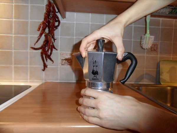 نحوه دم کردن قهوه اسپرسو با قهوه جوش