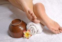 تصویر مراقبت و درمان ترک پا و ترمیم ترک پاشنه پا با 10 محصول کاربردی